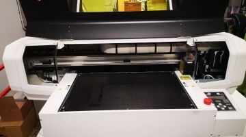 Mutoh ValueJet VJ-426UF Stampante Flatbed UV Led con area di stampa 473 x 319 mm